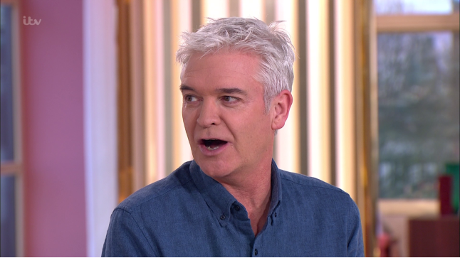 .@itvthismorning's @Schofe returns following Christmas accident. Yes, wine was