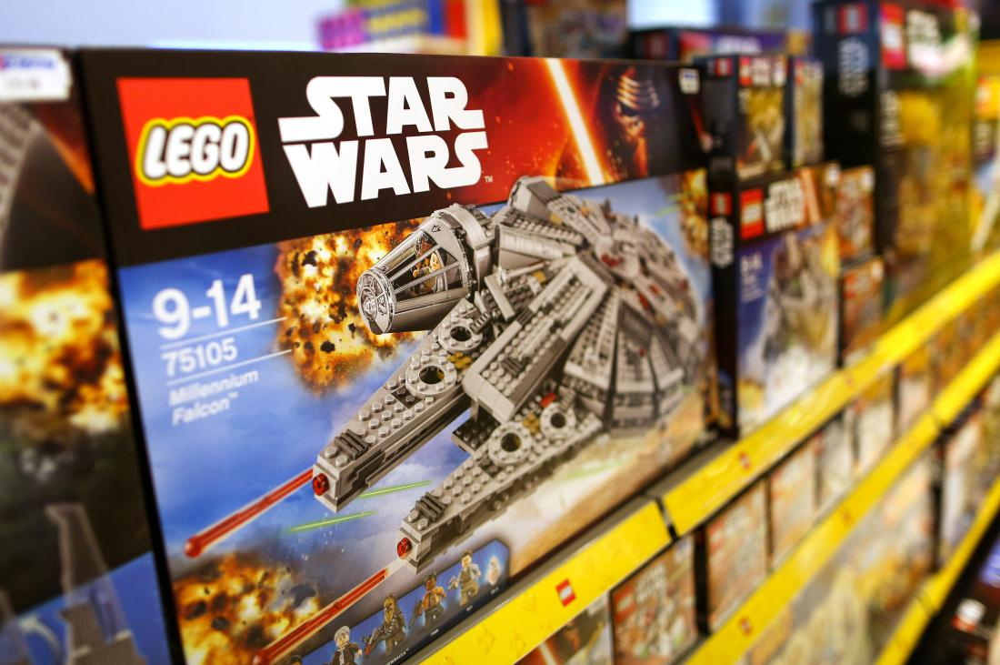 Lego sets have been a better investment than gold since 2000 https://t.co/RW7LaaexgC https://t.co/ghmc4xrVRL