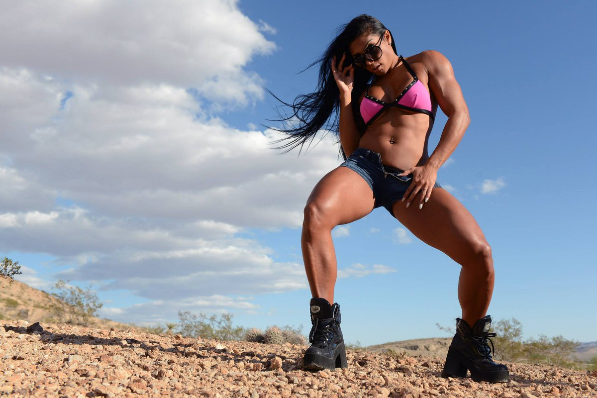 my #mondaymotivation is to be a #FBB and have the body of #Latinapower uLRKk