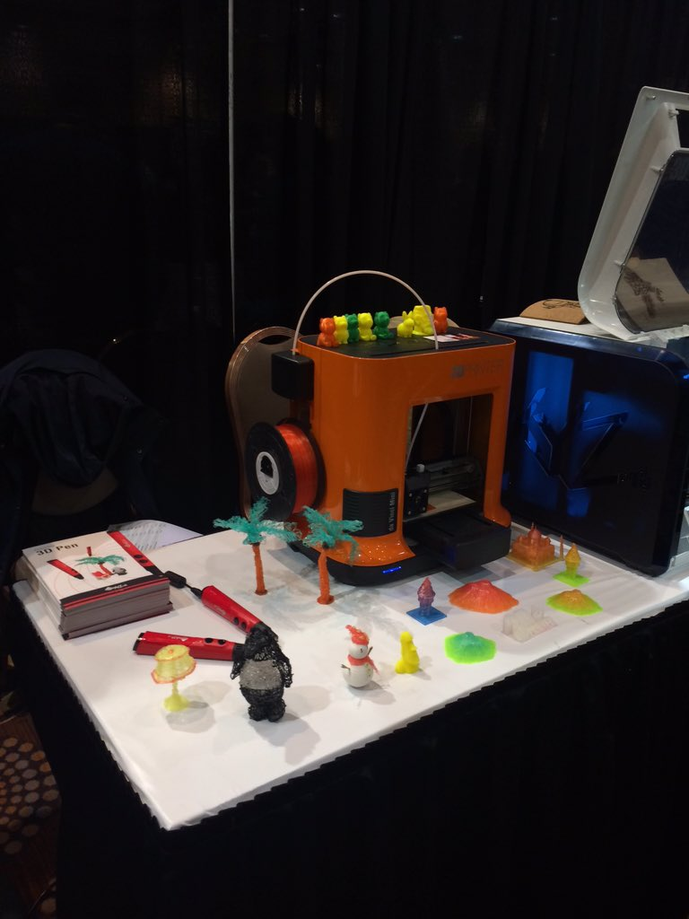 .@xyzprinting showcases live #3DPrinting at #CES2016 https://t.co/bPzojjsjYs