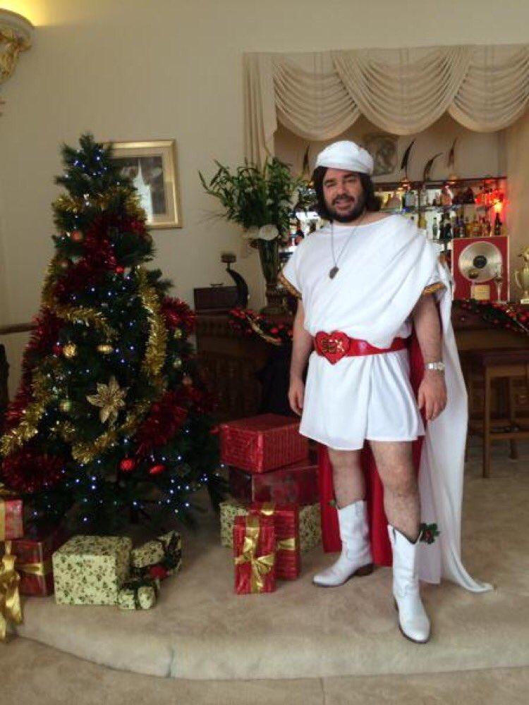 Merry Christmas https://t.co/sR47I0Uyyd