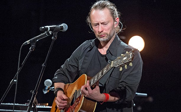 Listen to @Radiohead's unreleased James Bond theme for Spectre: