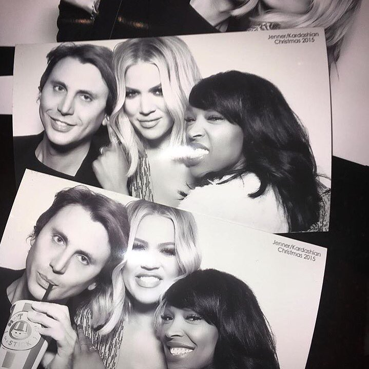 I can't find my picture with Santa ????????????so I'll post this picture with my little elves @jonathancheban @ForeverMalika https://t.co/Mbwn5o65Bx