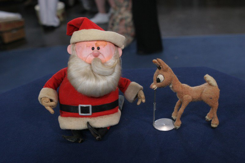 Merry Christmas from ANTIQUES ROADSHOW! https://t.co/bf25u4E3aL