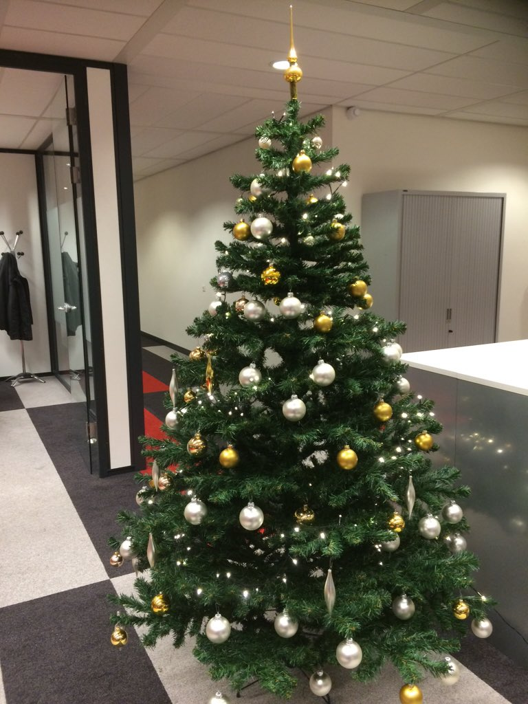 @RealMichelleW @Believe_Home The tree I decorated at the office☺️(I'm late, but still sharing) lol #BelieveHome