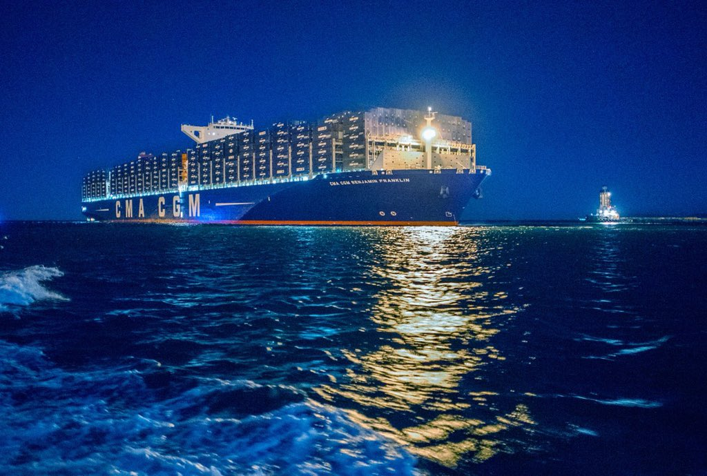 The largest container ship to visit North America has arrived at the #PortofLA. #BenjaminFranklinVisitsLA #CMACGMUSA https://t.co/nDGVnrINJs