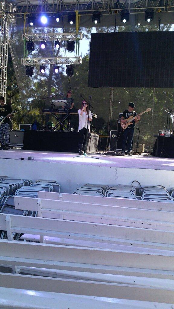 @DulceMaria hoy en la feria de Chilpancingo #delatorreentertainment https://t.co/WEhfKfgeAp