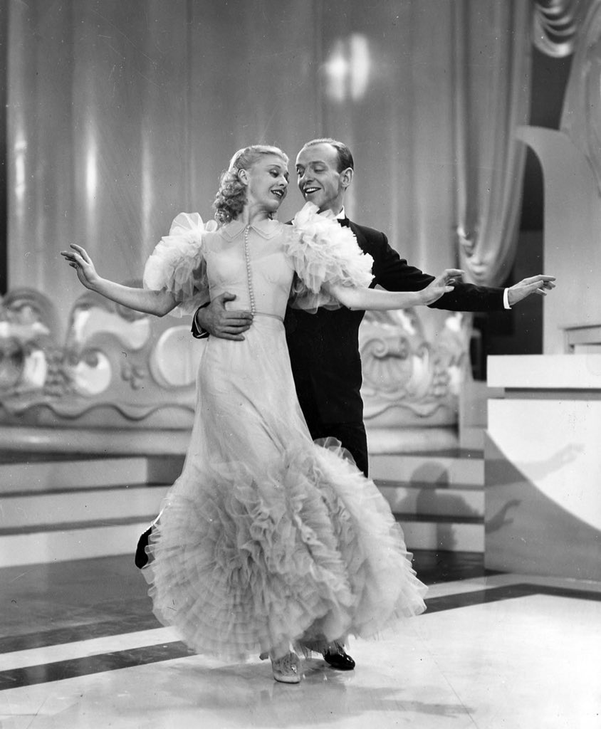 This dress is divine! I read Ginger was the main driver in the design of these dresses. #SwingTime #TCMparty https://t.co/z5Jpd0W7R4