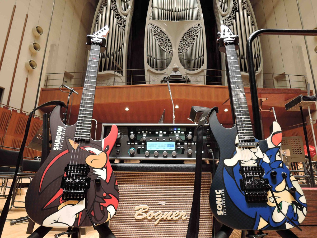 【お知らせ】ソニック生誕25周年・シャドウ生誕15周年のアニバーサリーイヤーとなる2016年に、ESPとSEGAのコラボレーション再び!今回はソニックとシャドウをモチーフにしたギターの商品化が実現します!詳細は続報をお待ちください! https://t.co/4Y7cZ38TZP