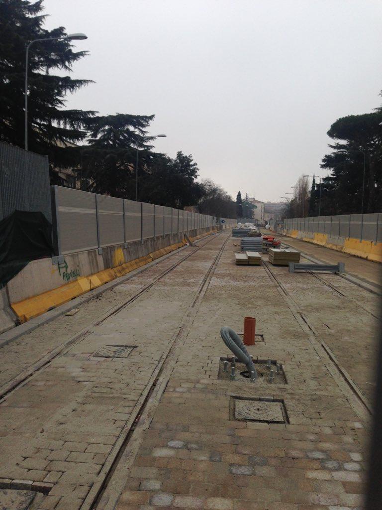 "RT @NiccoloBianco: Anche in viale Morgagni si vedono i binari! #tramvia #Firenze #binari #lavoritram@Lavori_Tram_Fi @ferraro_filippo https:…<a target=""_blank"" href=""https://t.co/NsYZRPN9EJ""><br><b>Vai a Twitter<b></a>"