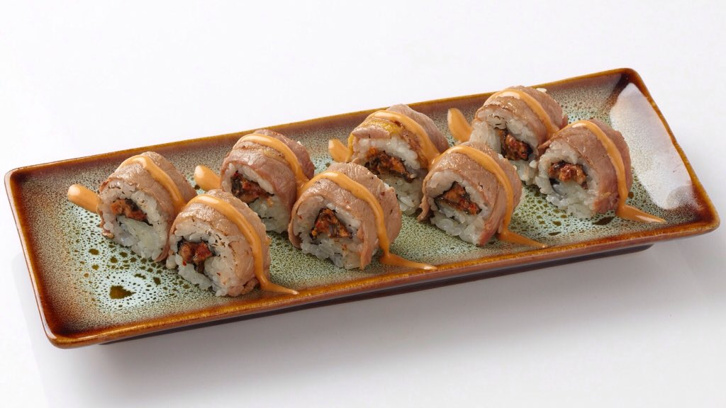We've upgraded our FIRE ISLAND ROLL (#unagi + #beef) from 6 pcs to 8 pcs/portion!