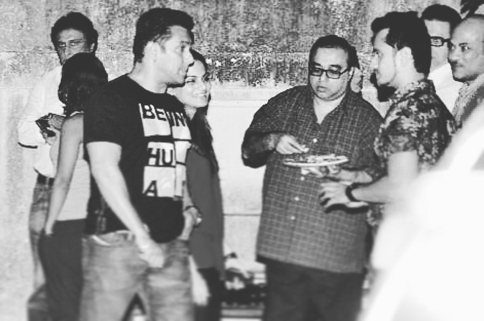 Wish you a very happy birthday @BeingSalmanKhan bhaijaan. Best wishes. https://t.co/LK1RwCVWIA