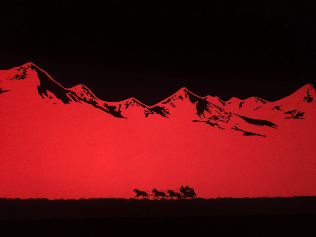 70mm. 8:50am show. Good way to start a week. #HatefulEight @thehatefuleight https://t.co/W0gOjlJvJH