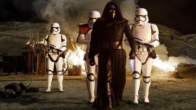 BoxOffice: 'Star Wars' Scores Massive $153.5M Christmas, Crosses $1B Globally