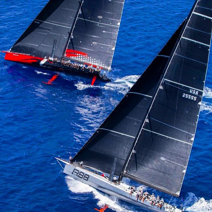Now a drag race between 2 US teams in the #RSHYR - #Comanche & #Rambler88! via @newportshipyard 📷 Christophe Jouany https://t.co/RHSfHv4Kw5
