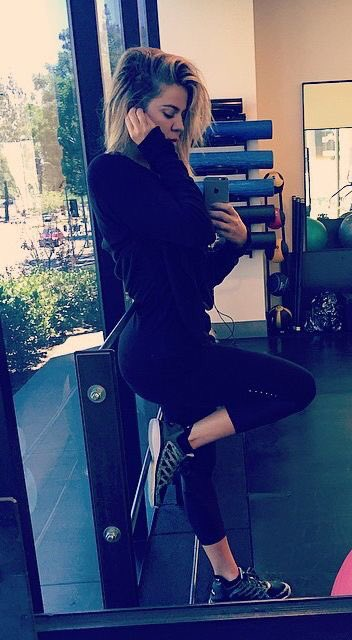 Working out @khloekardashian https://t.co/1UwE22cG48