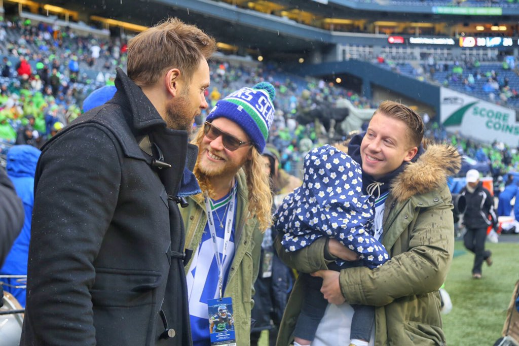 Seattle star power out in force today: @macklemore (and Sloane!), @joelmchale and Allen Stone. https://t.co/FA9tPctb6Y