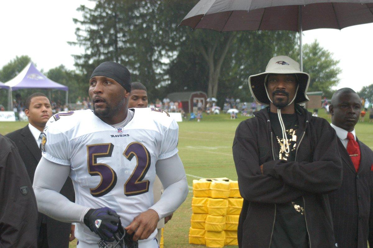 *mic drop* RT @Ravens: .@SnoopDogg https://t.co/B7f4iB4dkU