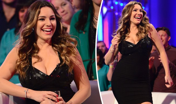 RT @Daily_Express: .@IAMKELLYBROOK flaunts major cleavage in eye-popping dress as she films Alan Carr https://t.co/eTmPtbFdLG https://t.co/…