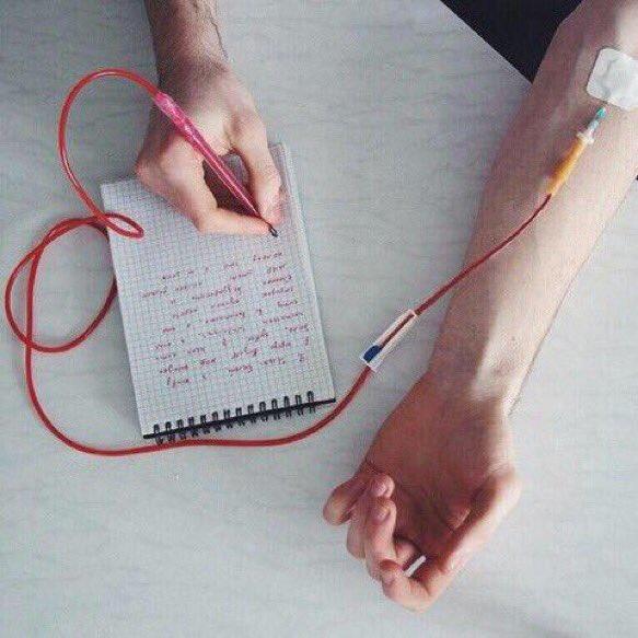 自分の血で文字が書けるペンが登場!!