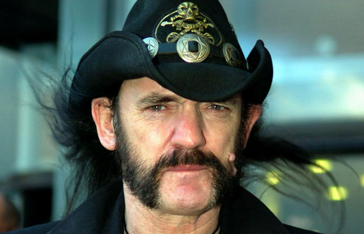 R.I.P. #Lemmy. You will be missed! https://t.co/H7cyXdeHg5