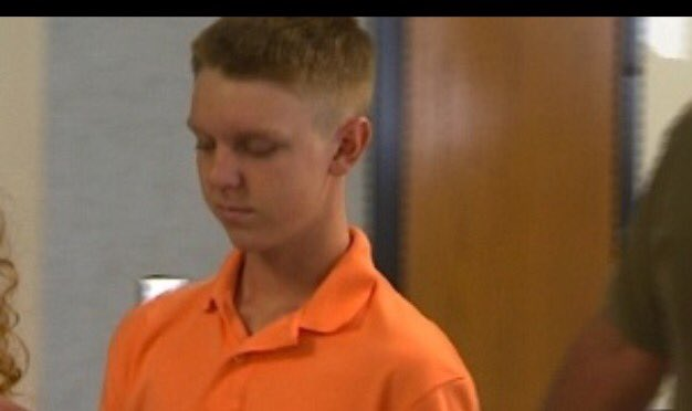 #BREAKING: @cnn reporting Affluenza Teen #EthanCouch has been caught in Mexico @CBSDFW https://t.co/Quii56uxcd