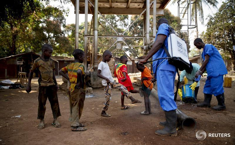 #Guinea declared #ebola-free, leaving only #Liberia counting down to end of epidemic https://t.co/gqmAlTUPSG https://t.co/ZX61VGbXKr