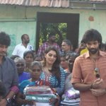 RT @MelanieWF: Team #PokkiriRaja distributed relief materials to flood affected victims.. @Actorjiiva @ihansika @Sibi_Sathyaraj https://t.c…