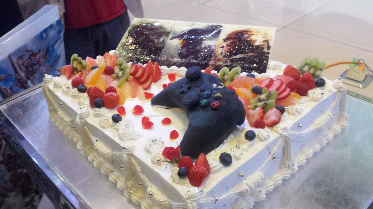 今年もすごいぞケーキ #2015箱忘年会 https://t.co/S98smnXrzZ