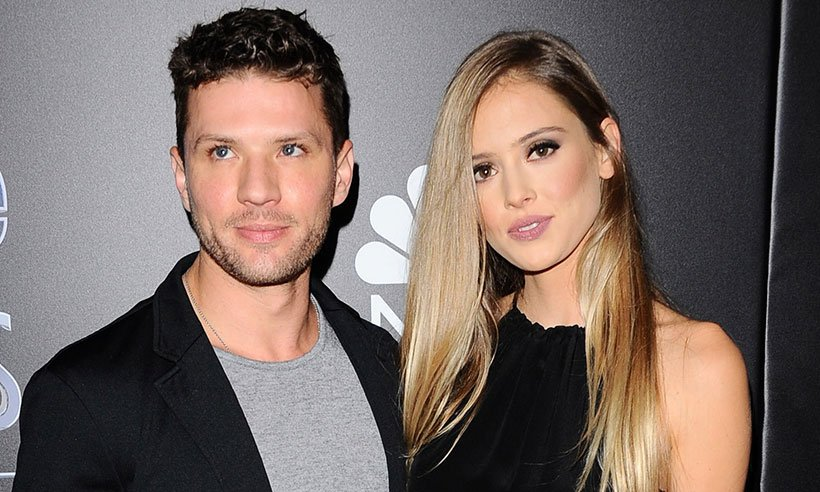 Ryan Phillippe gave girlfriend Paulina Slagter a VERY sparkly gift this Christmas....
