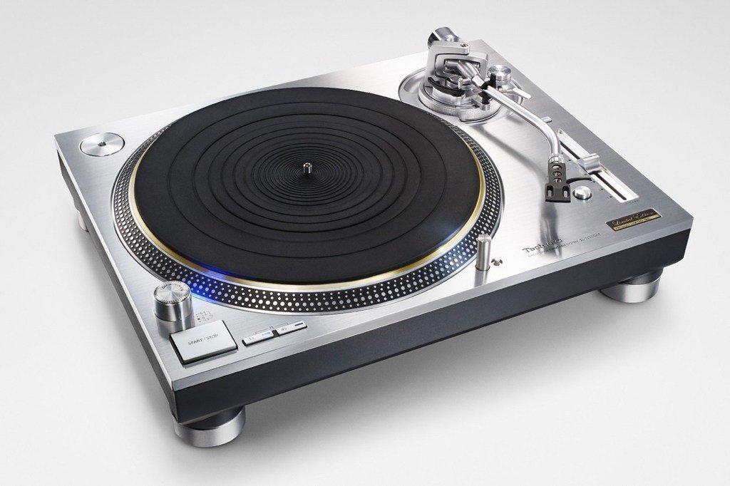 アナログレコード人気復活を受けて、パナソニックからTechnics SL-1200ターンテーブルが完全復活 https://t.co/RmCZMJUEcw https://t.co/EsPh75BOo4