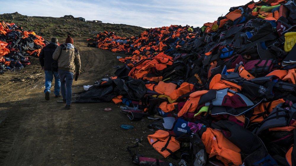 Refugee life jackets:
