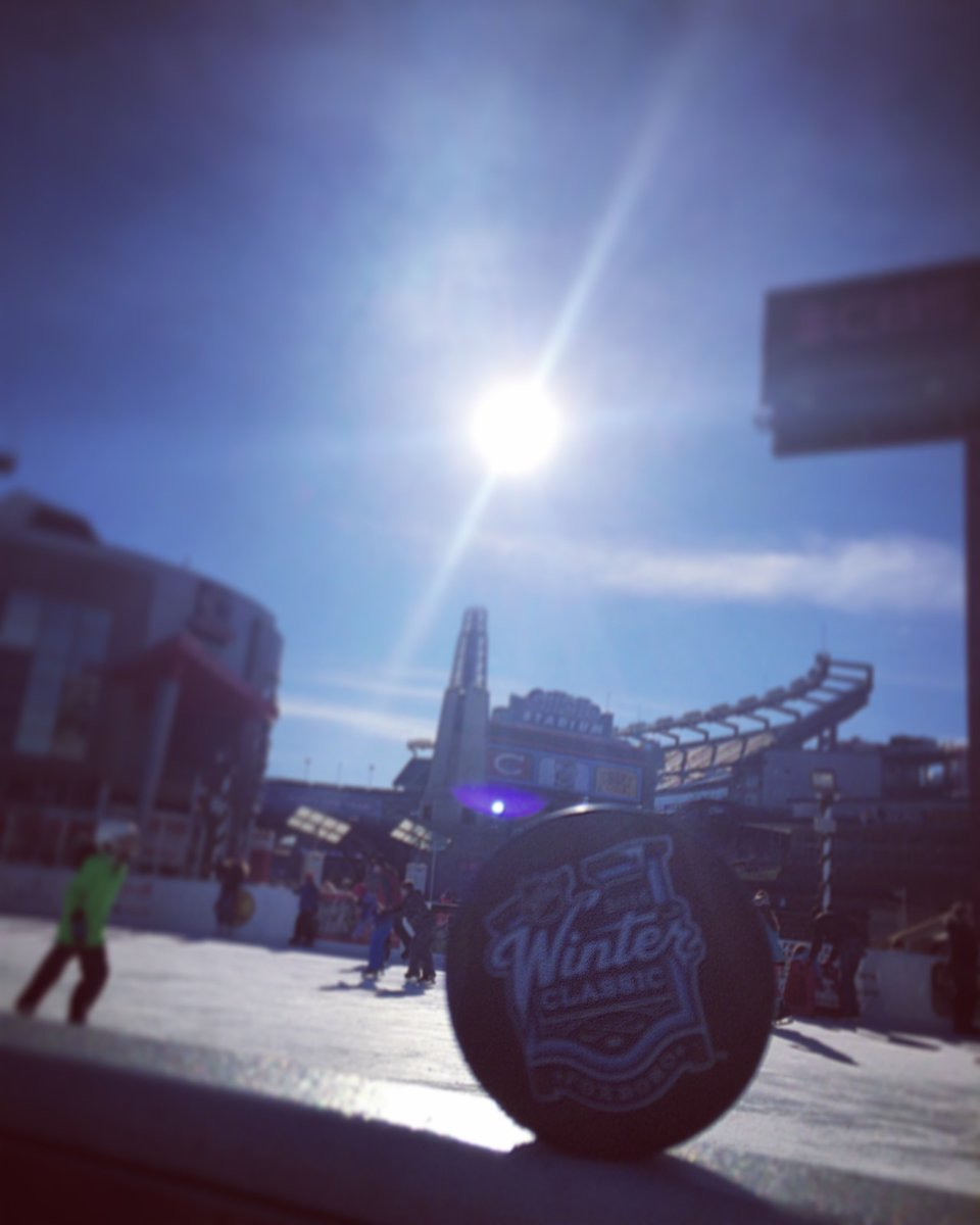 Follow us & RT by 11:59PM for your chance to win an official 2016 @NHL @Bridgestone #WinterClassic puck! #3MoreDays https://t.co/4stGBfHyYv