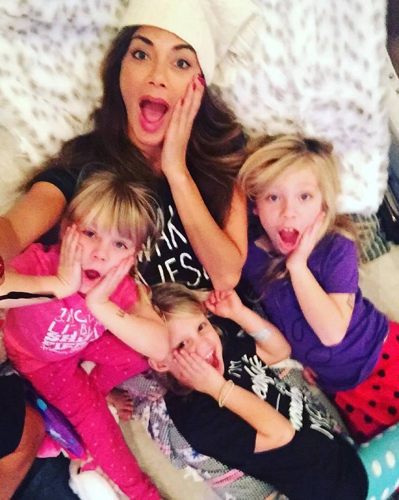 #latergram Scherzy girls giving our best home alone face???? My #niecesrule ???? https://t.co/YyioZAMqNB https://t.co/WVwwHbN5Ol