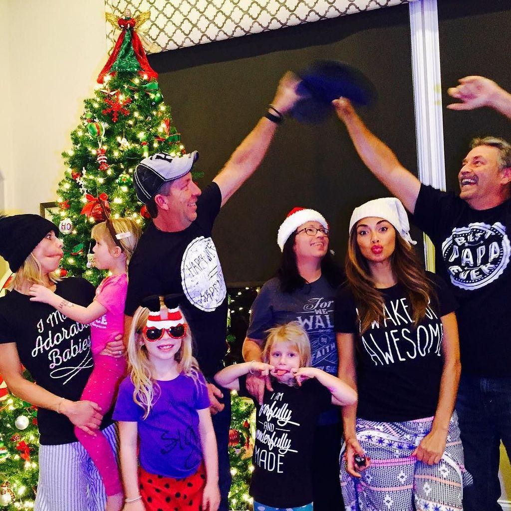Happy belated #Christmas from the Scherzy's! Rockin the pj's????????#iwakeupawesome #wakeupaweso… https://t.co/OZx2jaC4uY https://t.co/HB3FEw6KSz