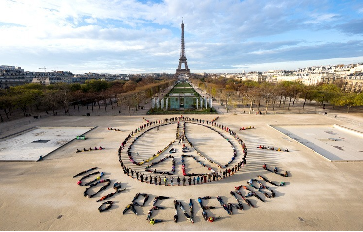 'The #RenewableEnergy Race Is On' writes @MarkRuffalo https://t.co/Nu2dBo2Lyo via @EcoWatch https://t.co/npRA7VpPUv