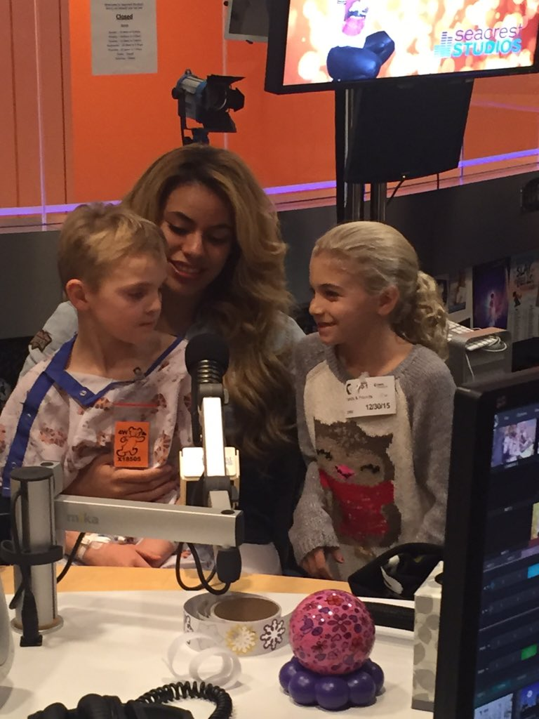 Many thanks to @dinahjane97 for your special visit to #SeacrestStudios at @chocchildrens today! https://t.co/wrt5BDQOrL