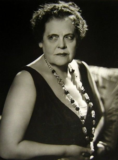 Marie Dressler was named the biggest box-office draw in the U.S. in 1933. This is what she looked like. https://t.co/tQlPmdvaJA