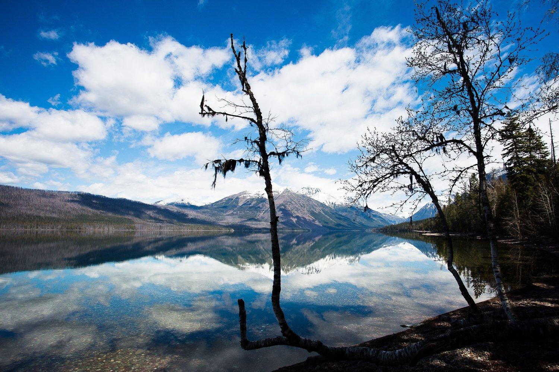 몬태나주 @visitmontana 글래이셔 국립공원을 탐험해 보세요. 겨울이면 호수가 얼어서 더욱 환상적인 경관을 연출한답니다. https://t.co/MgmSqQhkDL