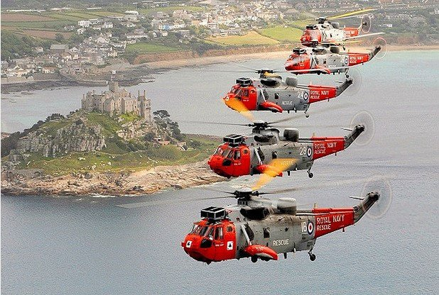 End of an era as Cornwall-based rescue crew at 771 Naval Air Squadron carry out final shift https://t.co/fNtOrGkR3C https://t.co/QRxD4bi97C