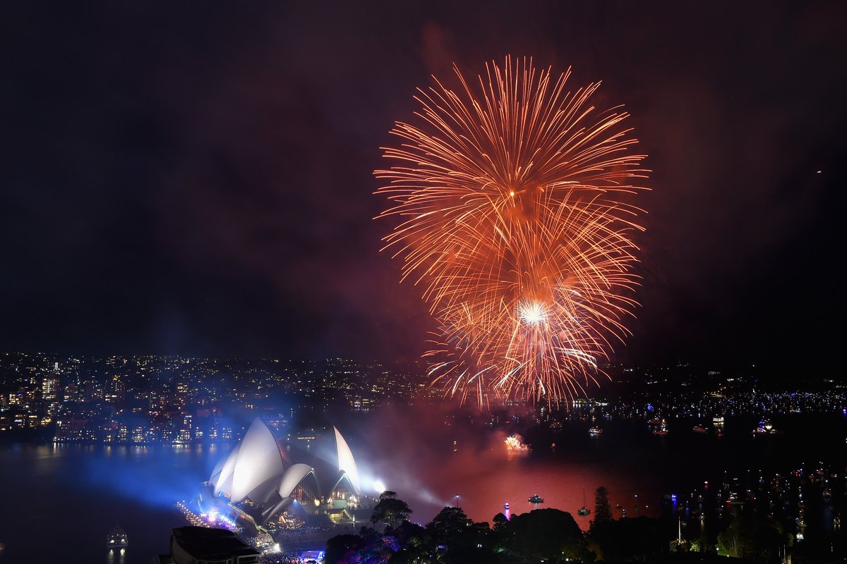 HAPPY NEW YEAR FROM SYDNEY, AUSTRALIA! #ilovesydney https://t.co/WnCIwNoQTs