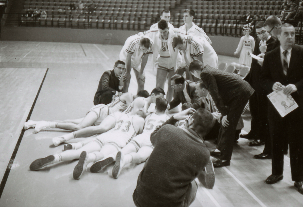 They don't take timeouts like they used to. Maryland, '61. #TBT https://t.co/Yn9FHmC5S2