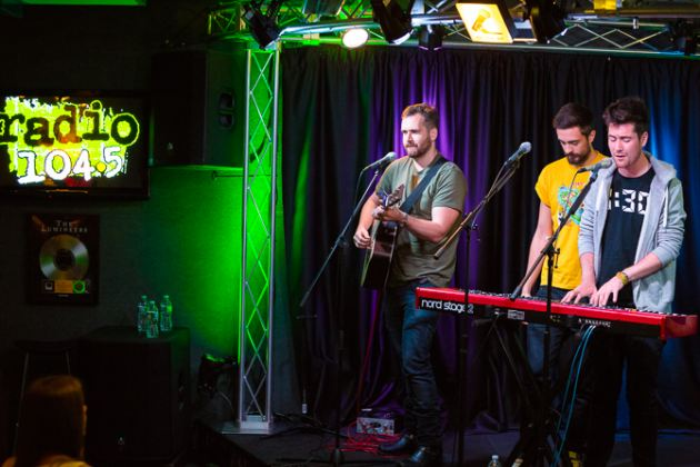 "HAPPY NEW YEAR'S EVE! Final #StudioSession Playback track of the year = @bastilledan ""Flaws"" https://t.co/d1AhFiVn81 https://t.co/KsJXnUUjTW"