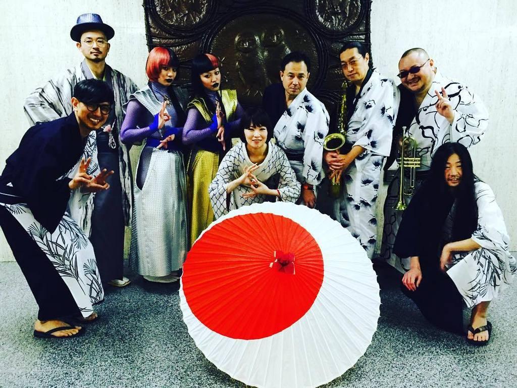 椎名林檎さま Ayasatoの振り付け を短時間で覚え 独自の色っぽいニュアンスで表現! 流石すぎた! #紅白 #椎名林檎 #AyaBambi https://t.co/JCbqtUfWxt