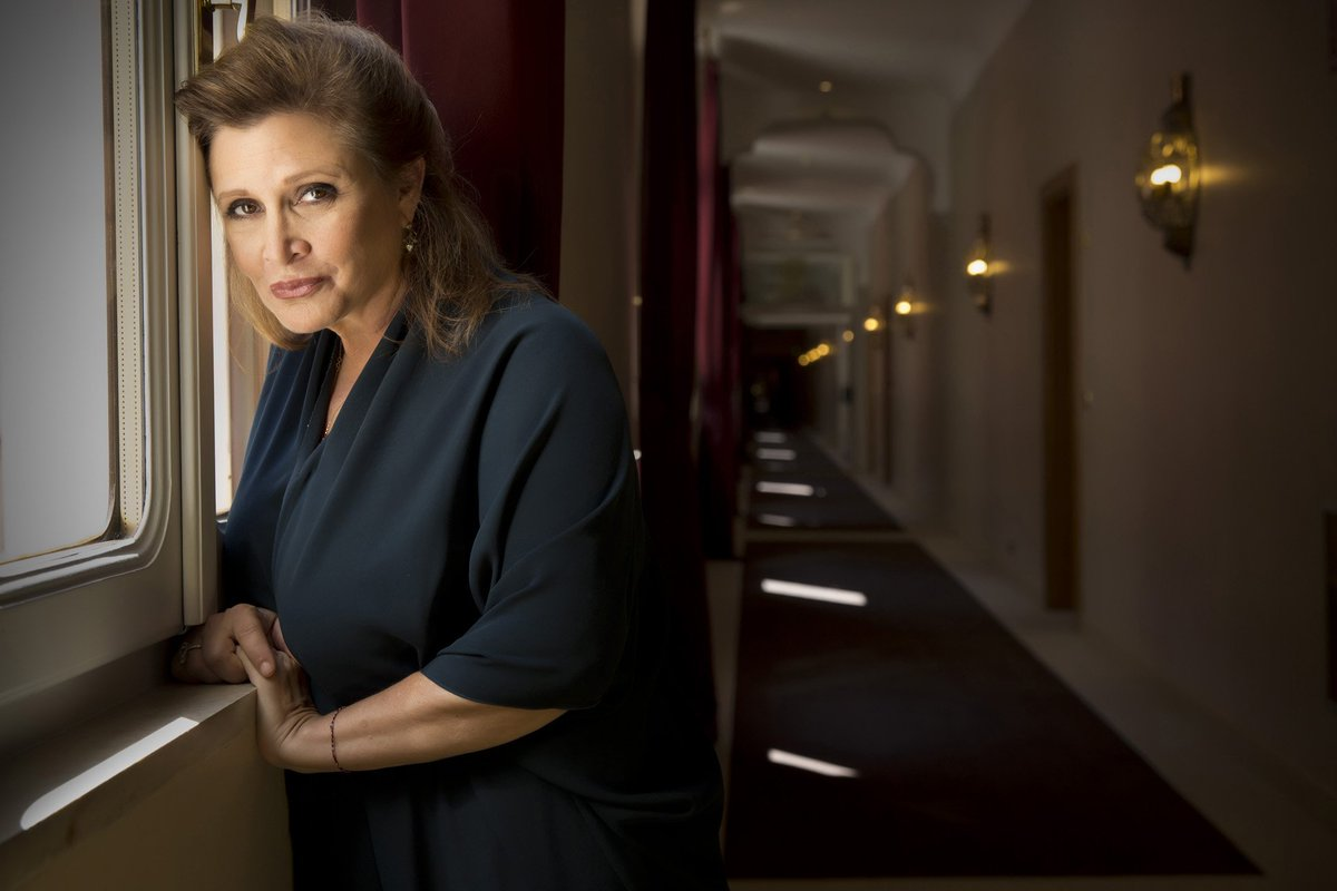 """Carrie Fisher slams critics of her appearance in """"The Force Awakens"""" https://t.co/OoCtwnqU8w https://t.co/1Yilz2jY3t"""