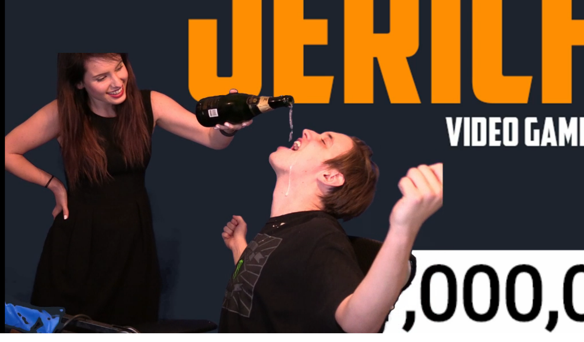 .@IIJERiiCHOII is moist. (@OMGitsfirefoxx) CONGRATS!!! https://t.co/hiRtQ0yEwY