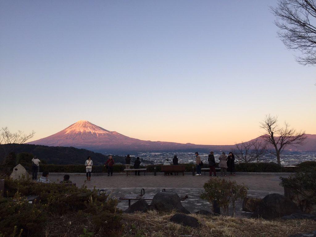 赤富士 https://t.co/N9Zw00BEP4