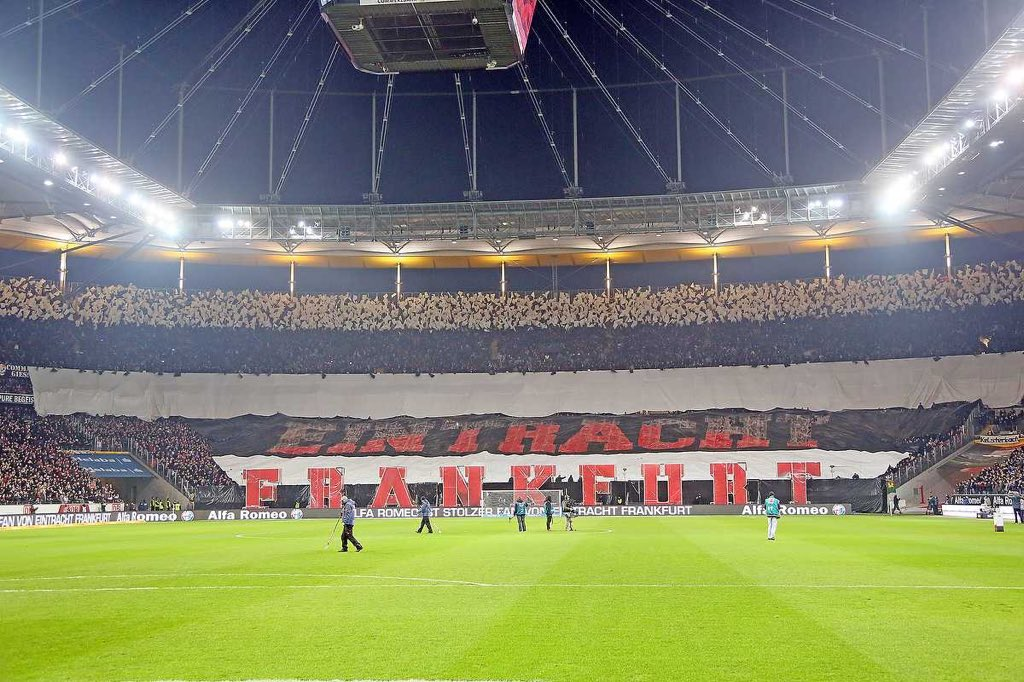 @TSBible #Pictureof2015 #SGE #Eintracht ❤️ https://t.co/0GI3HiU4xy