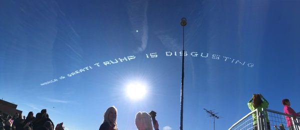 Here's what's going on with the #anybodybuttrump messages in the sky above the #RoseParade https://t.co/lxLEpsweKv https://t.co/CB8saU3ygM
