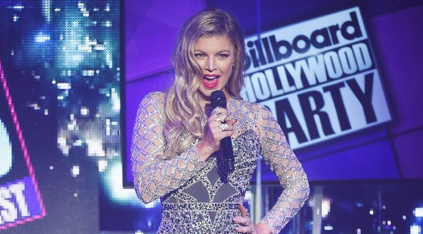 RT @JustJared: Fergie looked amazing in her sequin gown ringing in 2016! https://t.co/NV6UZB0o2t https://t.co/mphRM50CJL